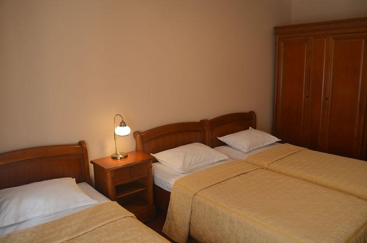 Camera cu trei paturi Pensiunea Magura Baia Mare